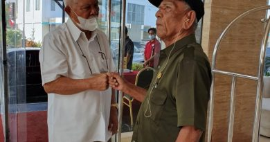 Reuni Tak Terduga, Ketemu Setelah 75 Tahun Berpisah