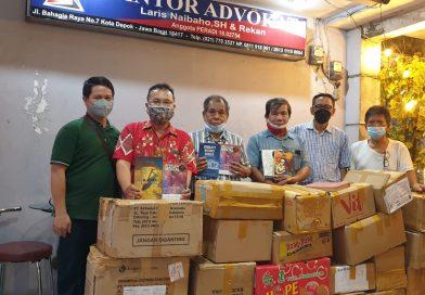 FORJUBA Menyumbang Ribuan Buku Ke Samosir